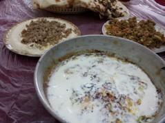 حمص بالحم و مقلقل