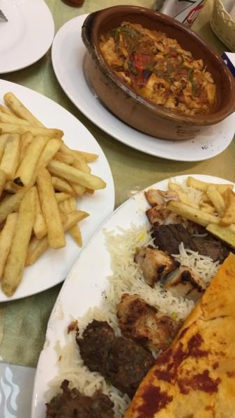 مشويات الروشة وطاجن دجاج - مطعم الروشة,