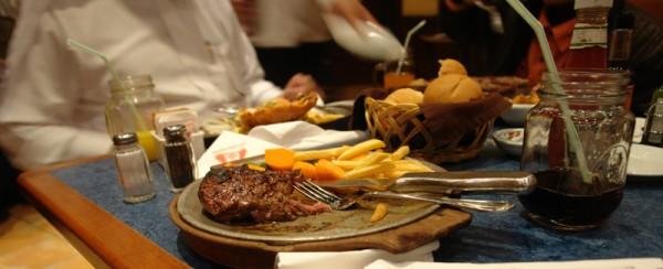 ستيكي المفضل نص استواء - ستيك هاوس Steak House,