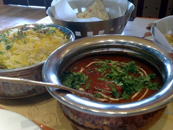 دجاج تكا المسالا - الكوخ الهندي Indian Hut,