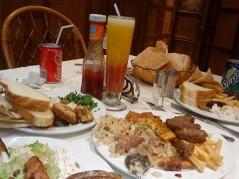 طاولة المطعم