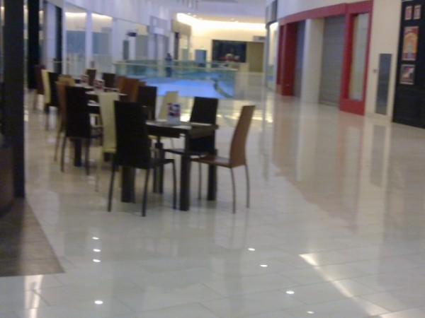الكراسي - مايا شوكلتري Maya Cafe,