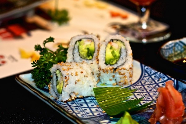 طبق سوشي كاليفورنيا - فورساتو Furusato,