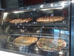 بعض أصناف البيتزا