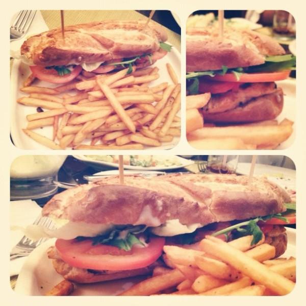 ساندوتش الدجاج - بياتو Piatto,