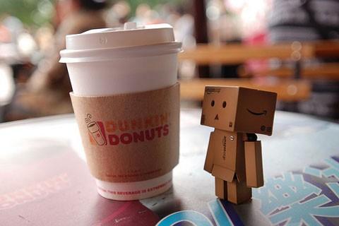 - دنكن دوناتس Dunkin' Donuts,