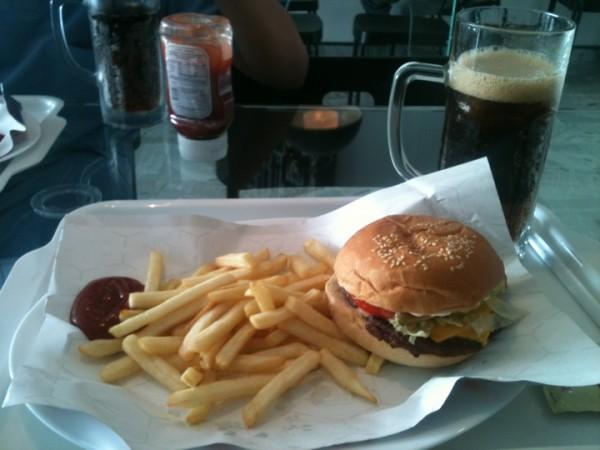 - المذاق T1 Burger,