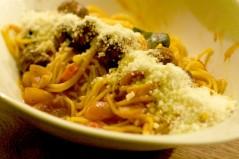 SpaghettiBolognese w meatballs