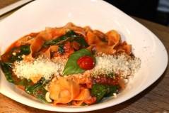 Spaghetti pomodoro e rucola