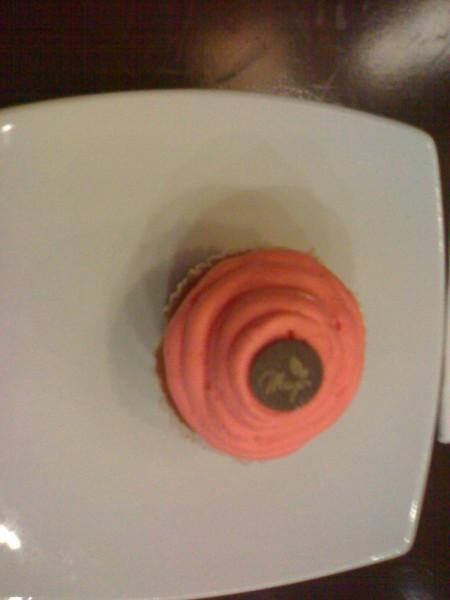 Cupcake Vanilla BD 1.000 - مايا شوكلتري Maya Cafe,
