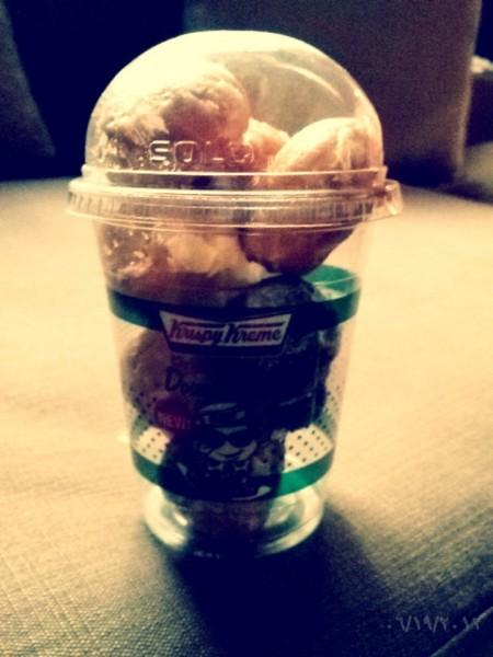 - كرسبي كريم     Krispy Kreme,