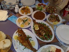 عشاء في قدورهـ