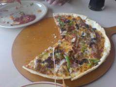 بيتزا خضار رقيقه