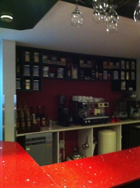 مقهى مميز داخل المطعم - وادك Wadek,
