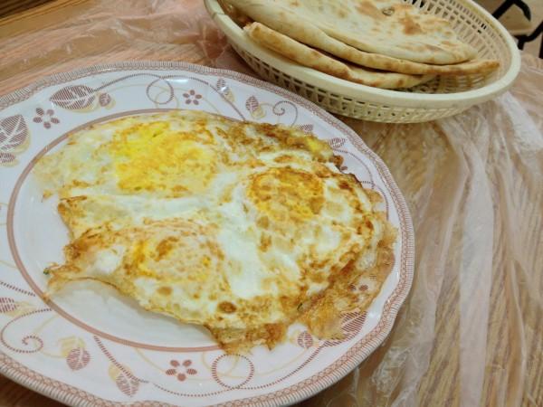 بيض استواء كامل - فولك للفول والمطبق,