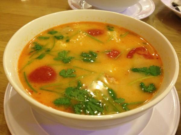 شوربة توم يوم - بانكوك للأكلات البحرية Bangkok Seafood,
