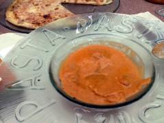 رافيولي بصوصي الطماطم والأبيض