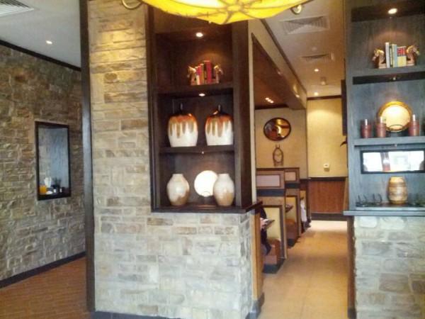 - لونج هورن ستيك هاوس Longhorn Steakhouse,